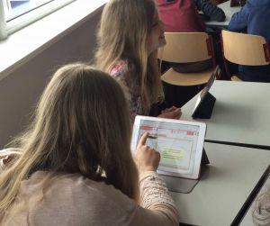 Leerling aan de slag met Social Media Rijbewijs